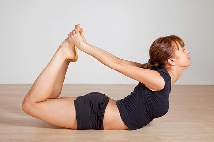 Las 7 mejores posturas de yoga para tonificar tus senos y verte hermosa 7e79d575ae51