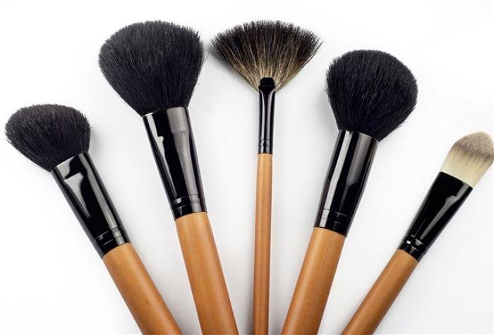 trucos-de-maquillaje-que-necesita-dejar-de-hacer-2_opt
